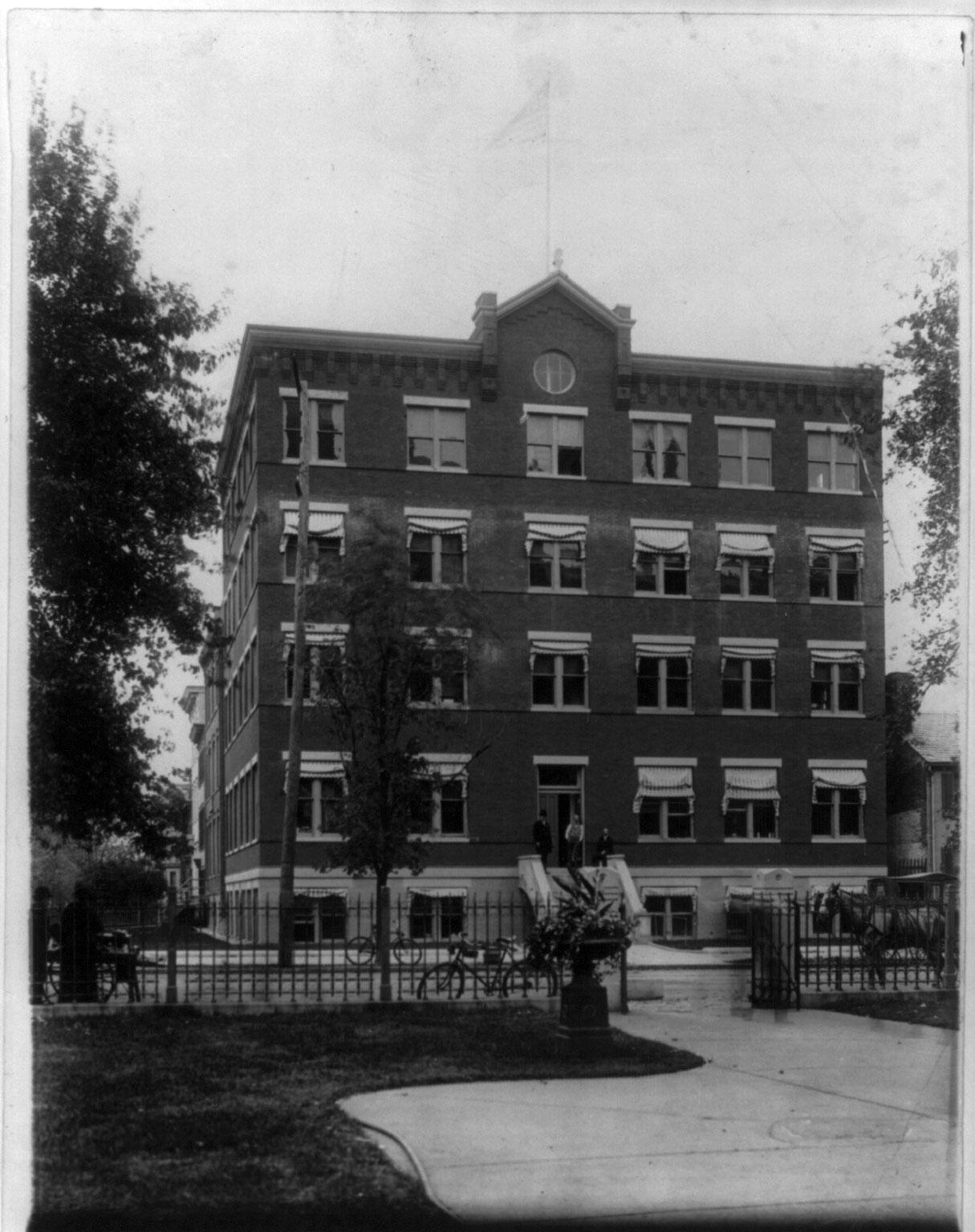 U.S. Bureau of Chemistry building, Wash., D.C. Circa 1900