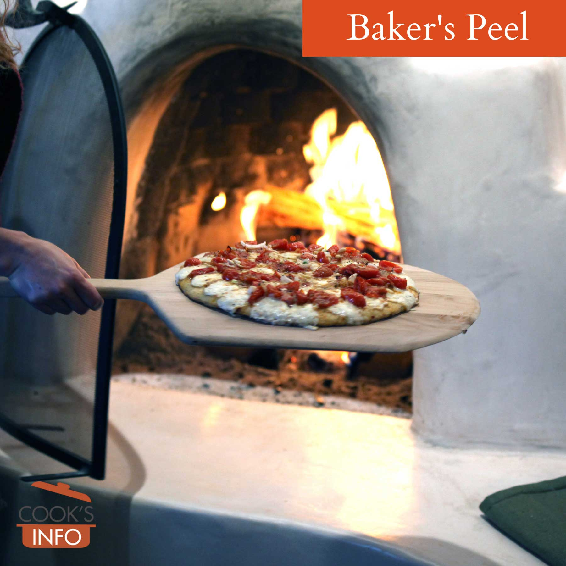 Short-handled baker's peel used for pizza