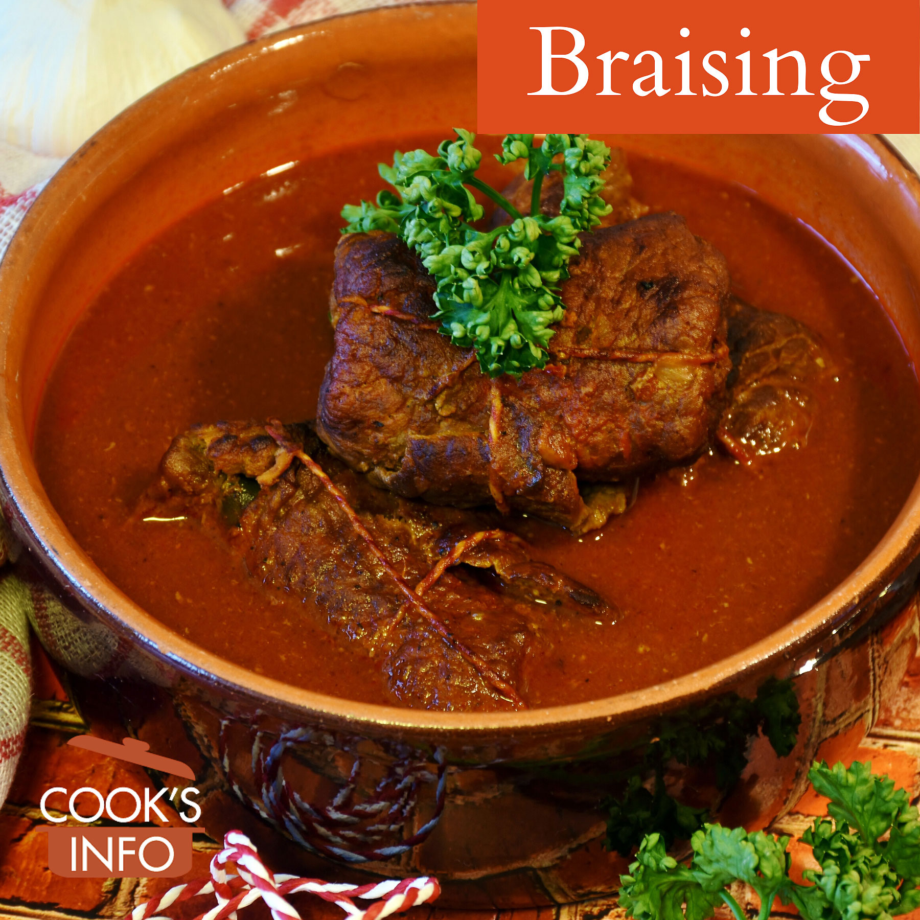 Meat braised in a ceramic pot
