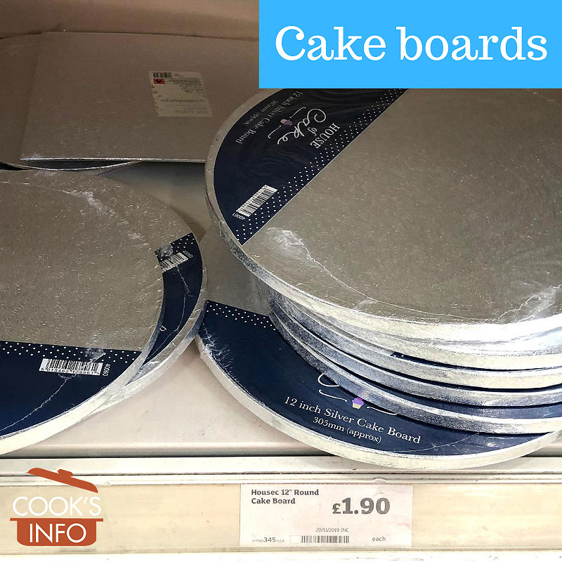 Corrugated cardboard cake board