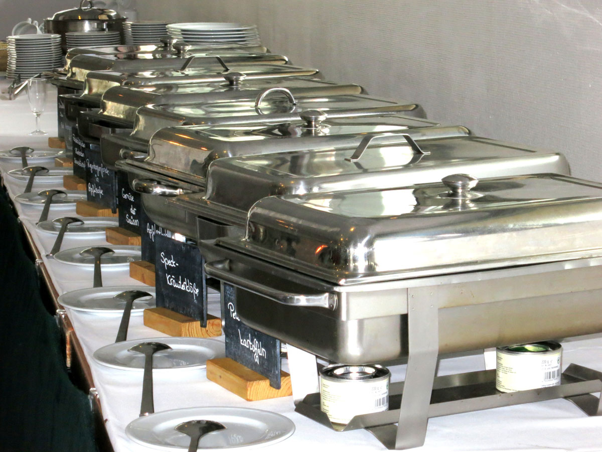 Chafing dishes for catering