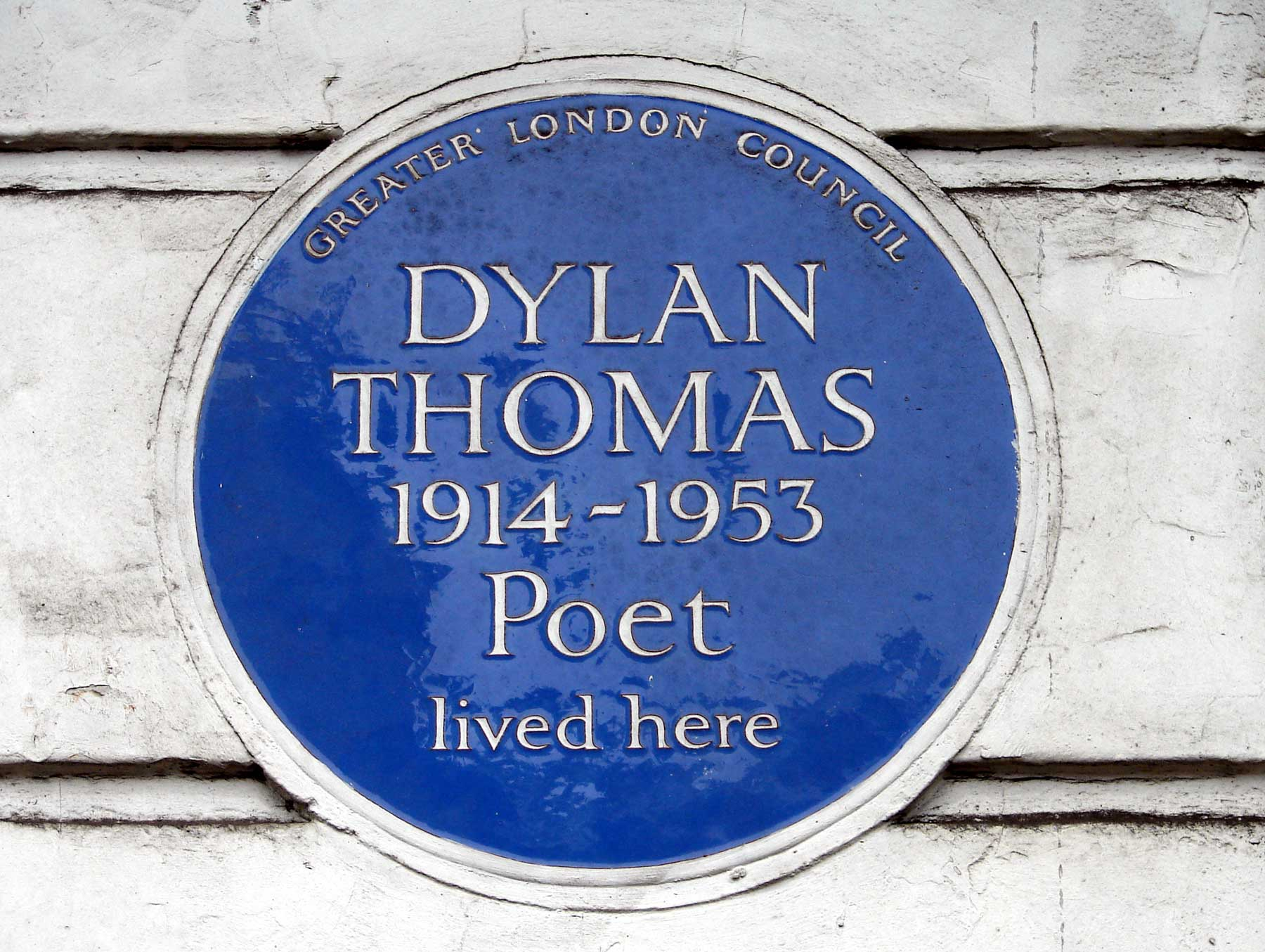 Dylan Thomas lived here plaque