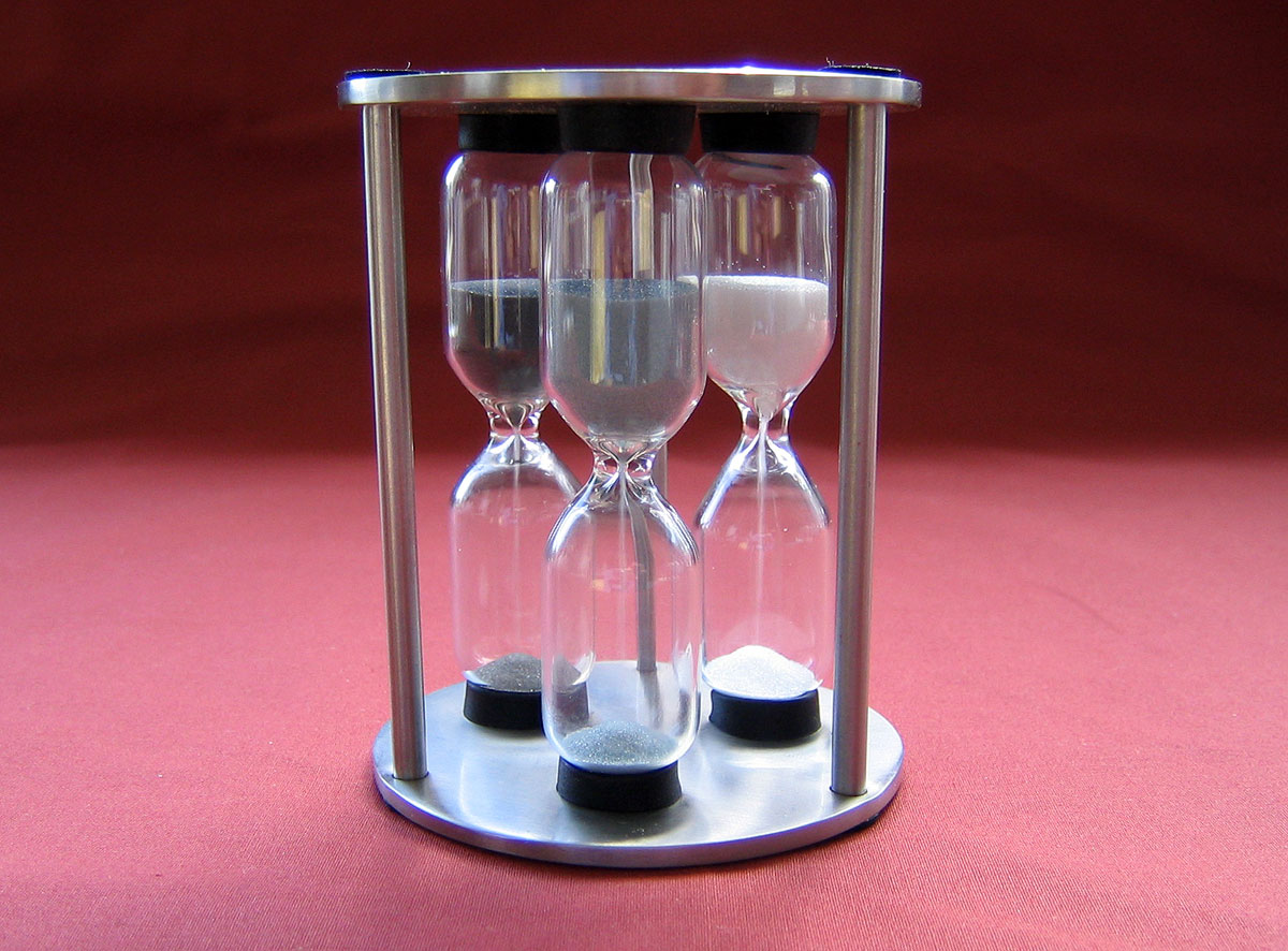 Egg Timer with 3, 4, and 5 minute measurements