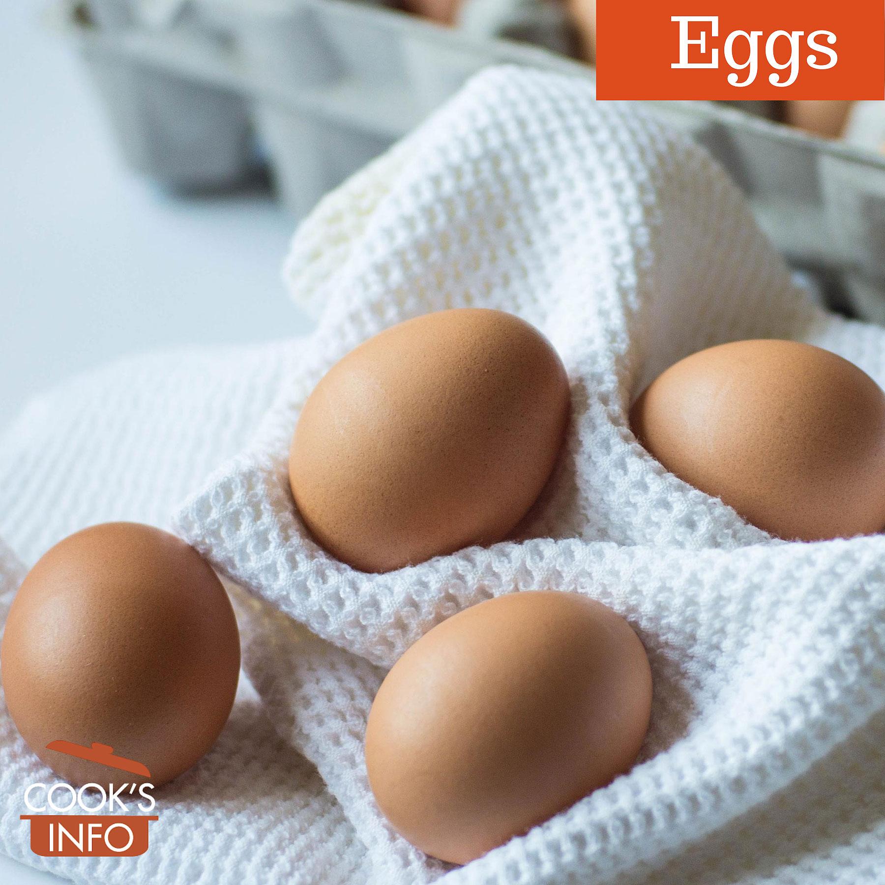 Eggs on towel