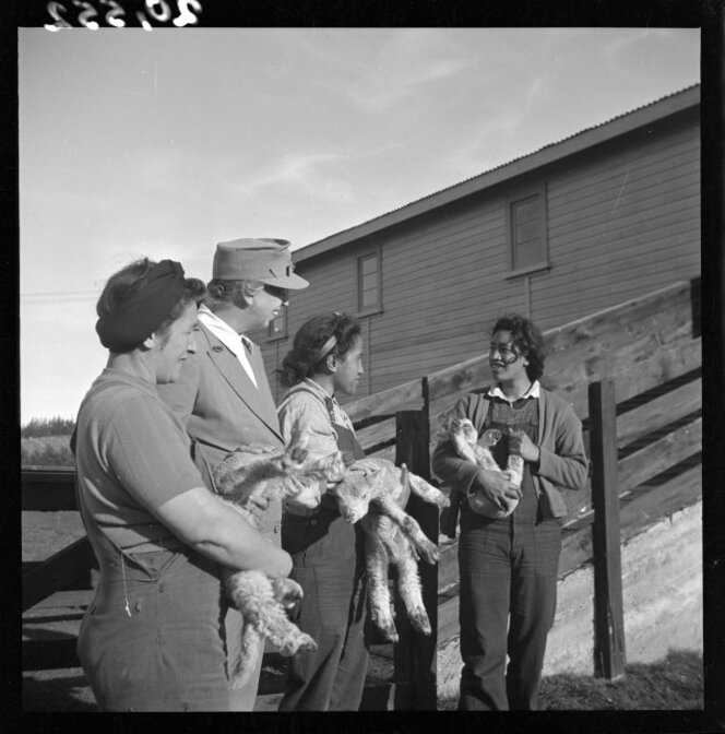 Mrs Eleanor Roosevelt with members of the New Zealand Women's Land Service