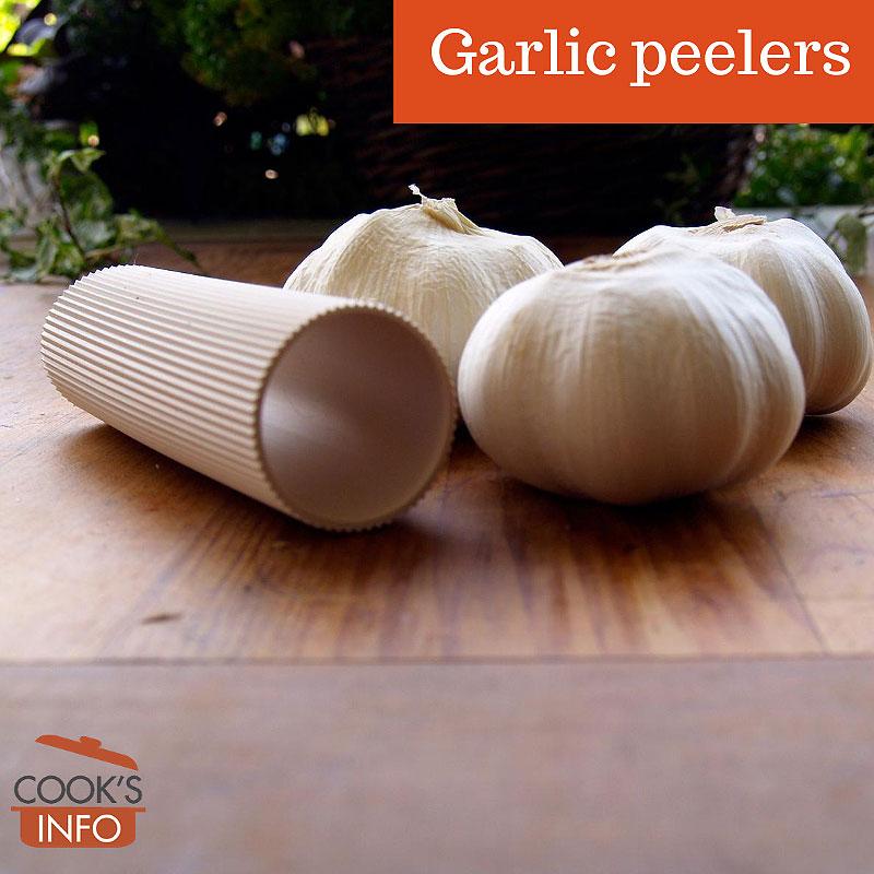 Garlic peeler with garlic bulbs