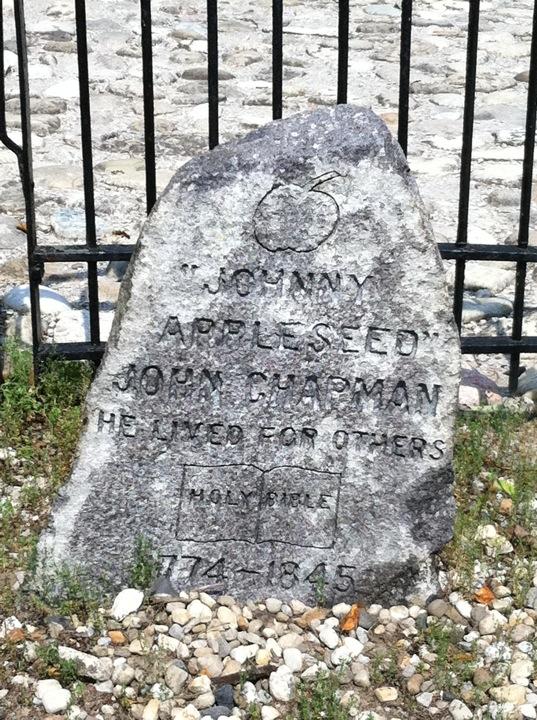 Johnny Appleseed gravestone