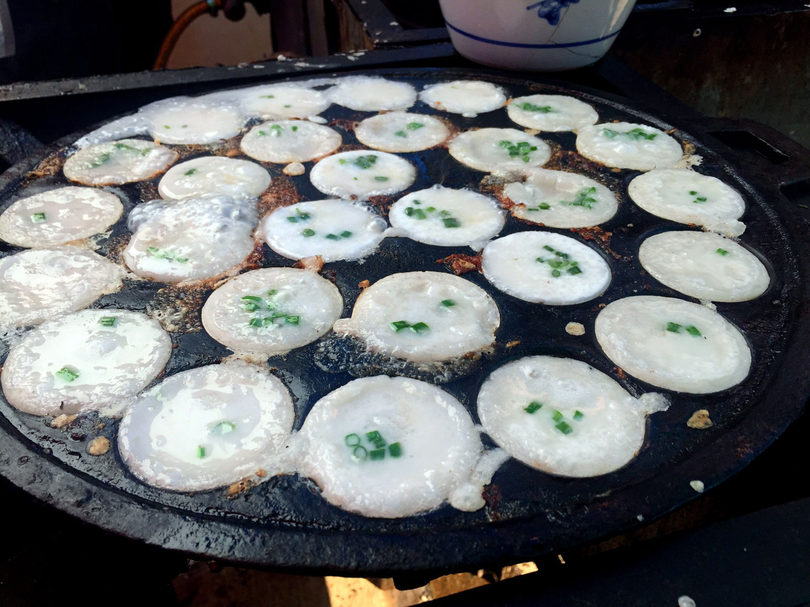 Kanom krok cooking