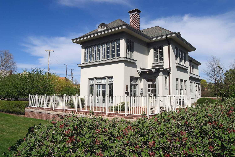 Will K. Kellogg house