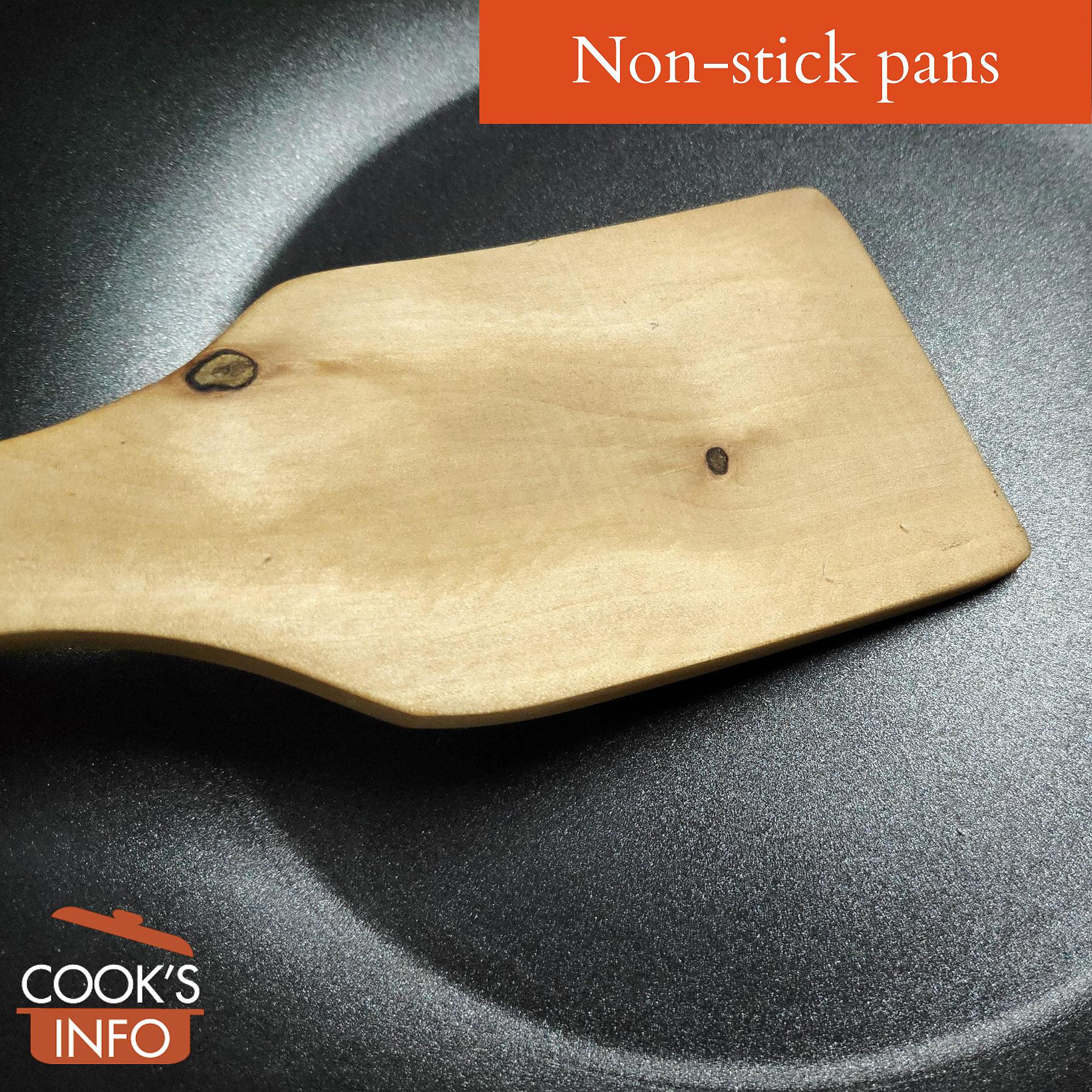 Non Stick Pan with spatula