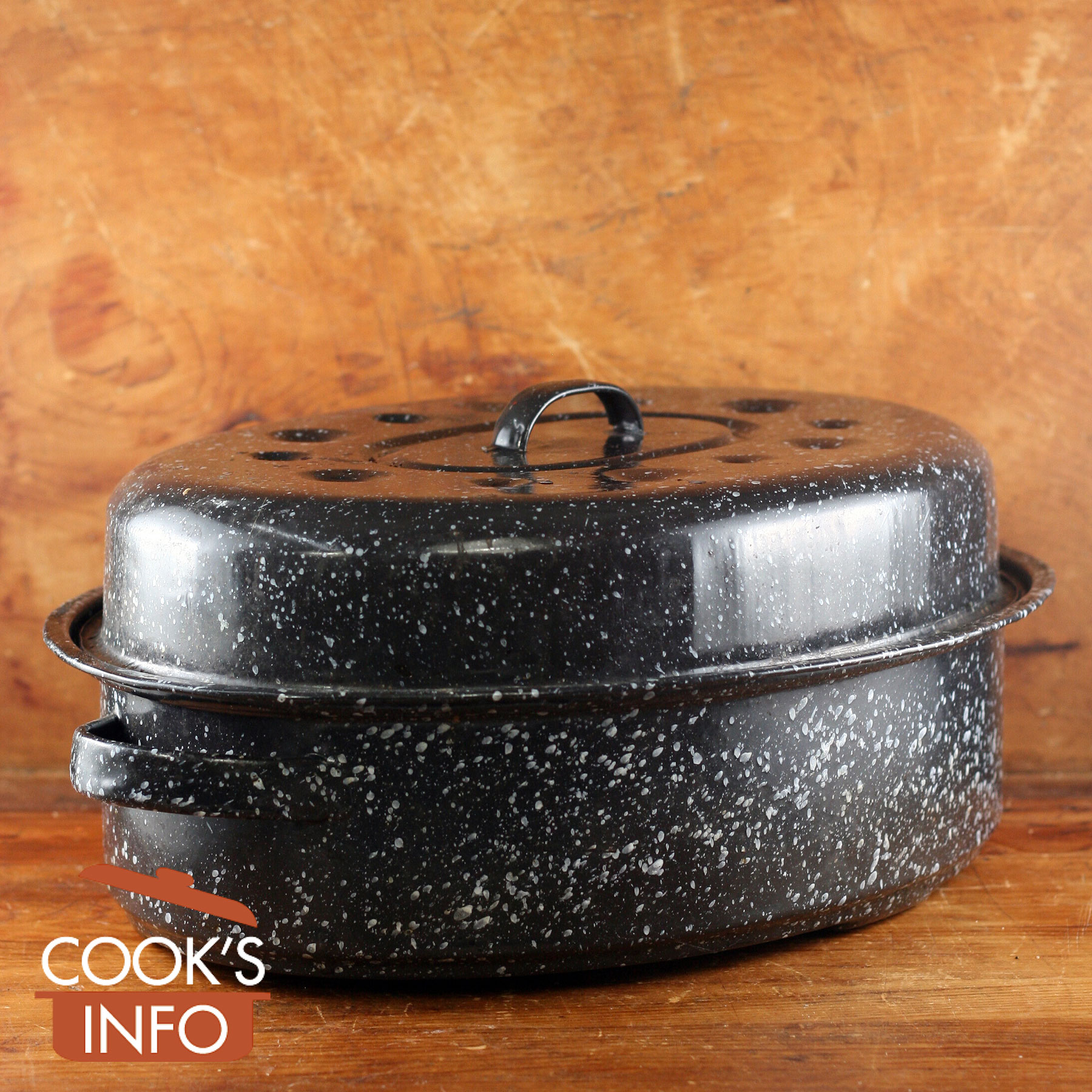 Graniteware blue enamel roasting pan.