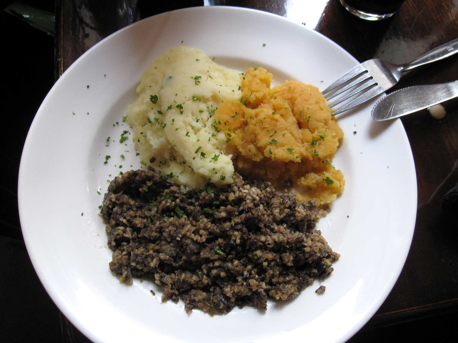 Haggish with mashed potato and mashed turnip