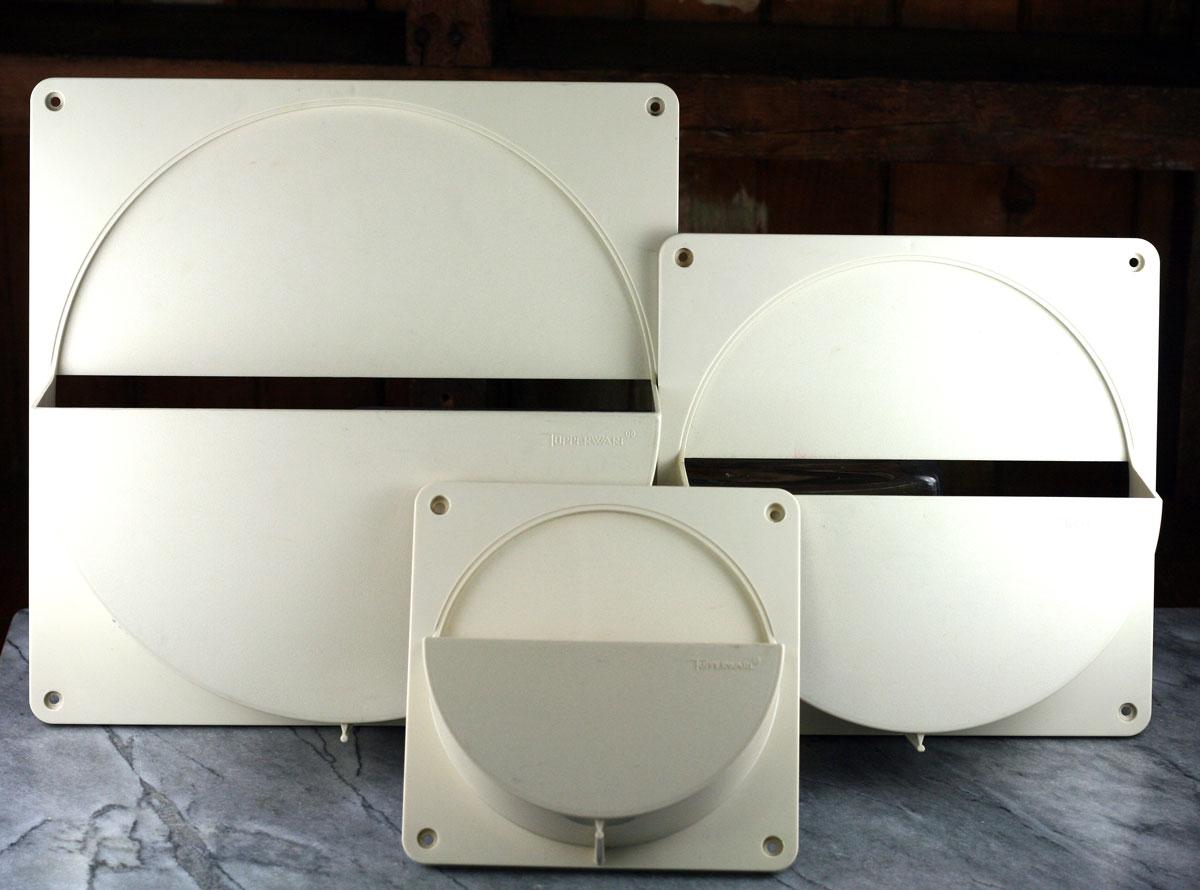 Tupperware lid holders