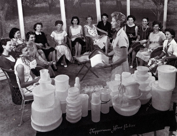 Joseph Steinmetz. Tupperware home party in Sarasota, Florida. C. 1958.
