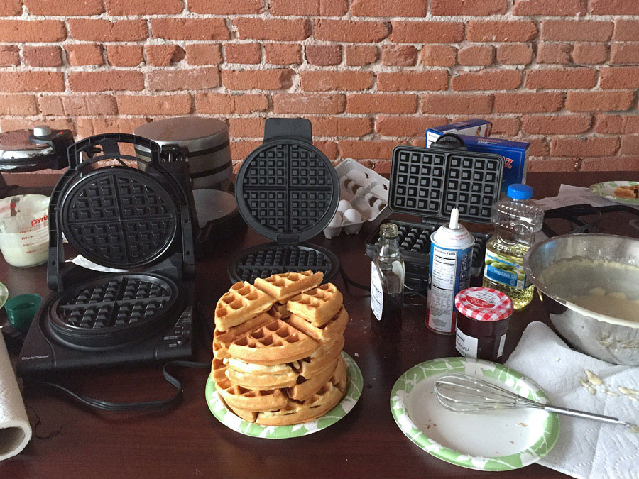 Waffle iron in use