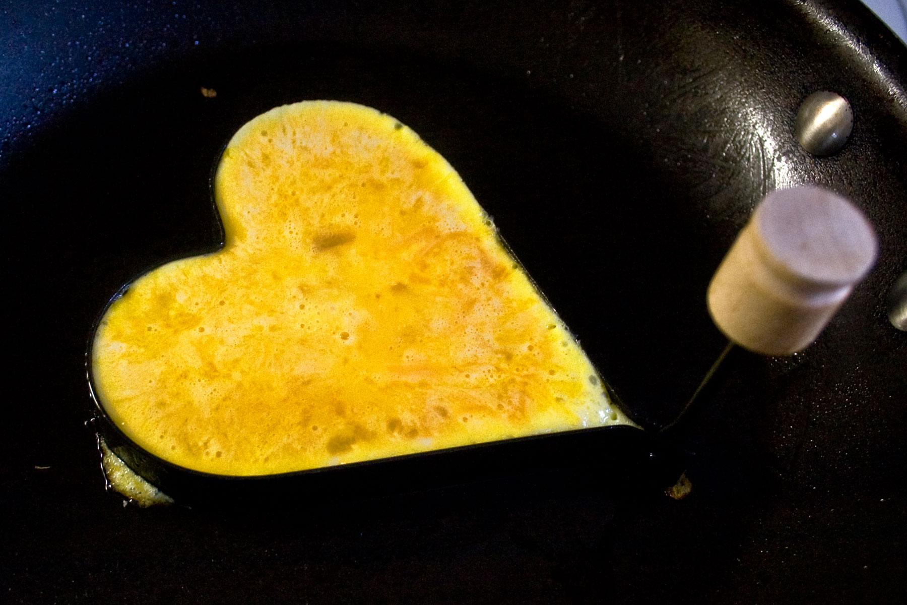 Heart shaped egg corral