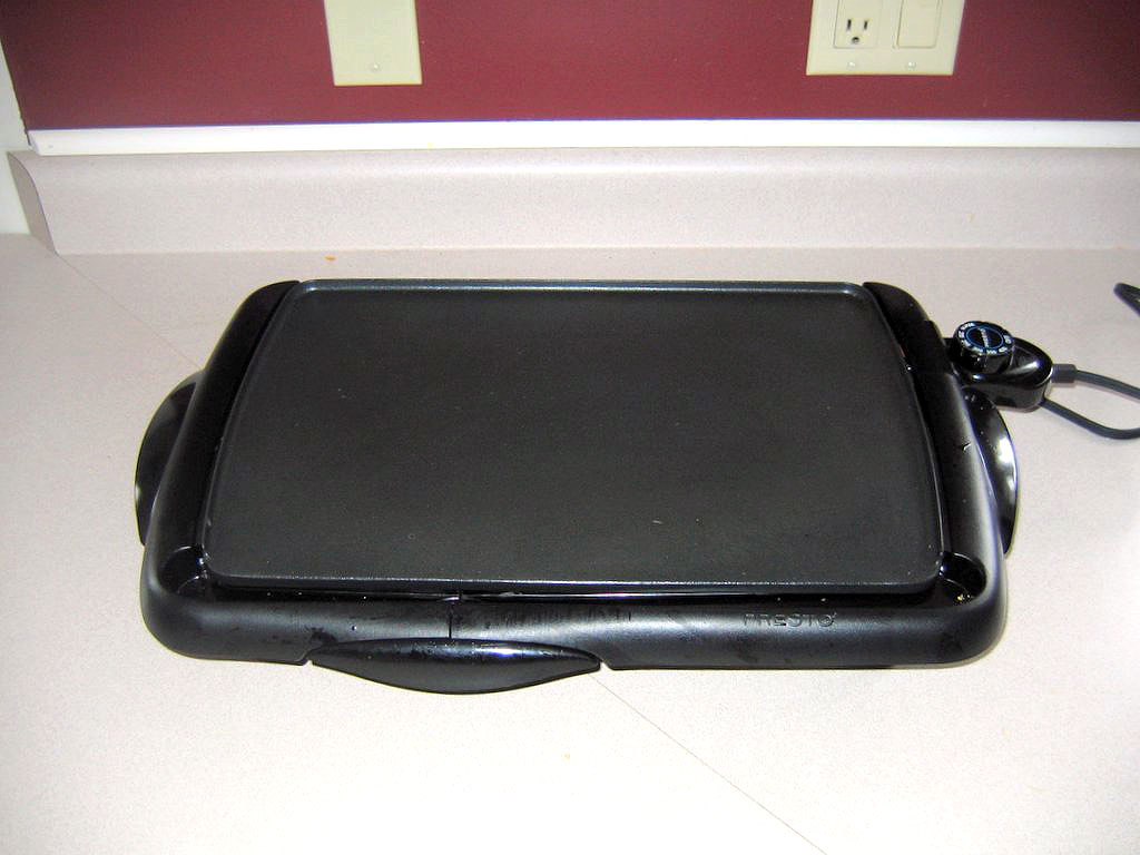 Electric home-use griddle