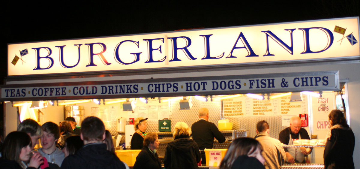 Food stand serving Hogmanay crowd.