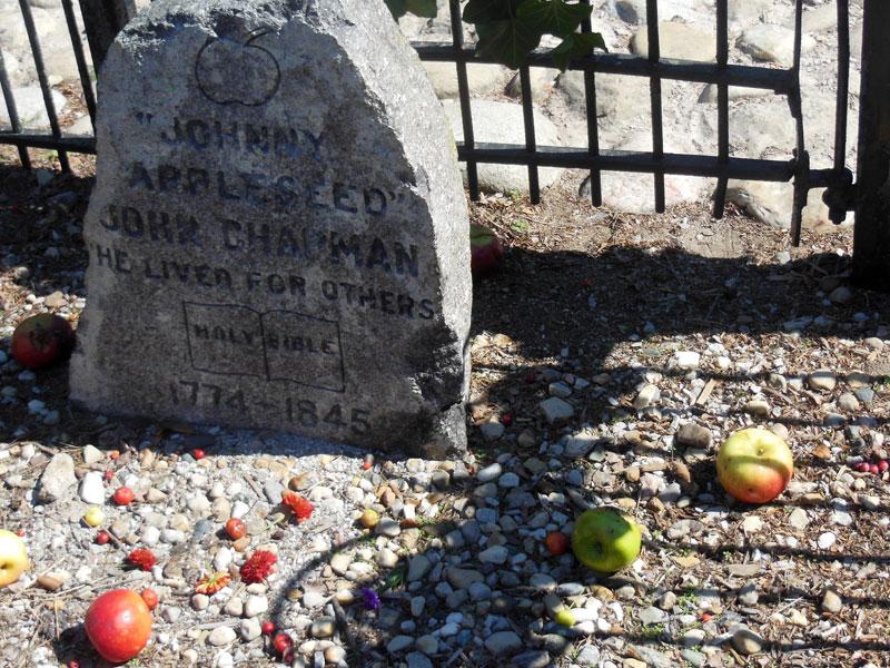Johnny Appleseed gravesite