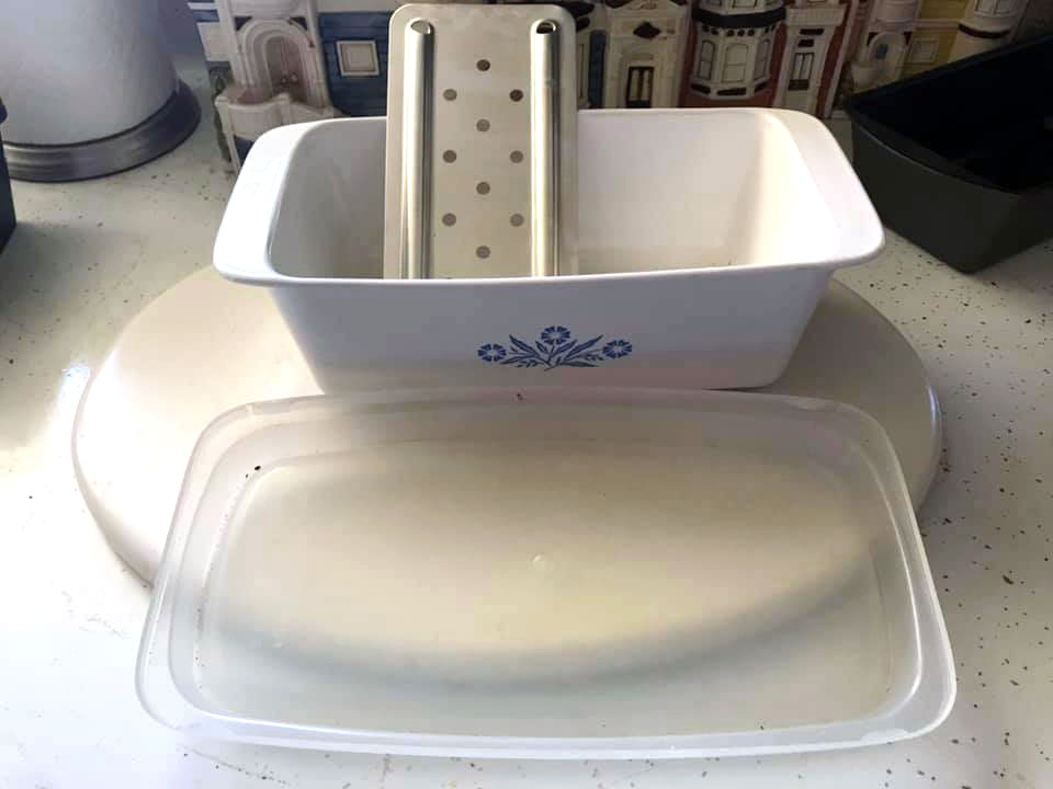 Corningware meatloaf pan with bottom insert and storage lid