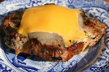 Barbequed Pork Chops with Cheese and Apple Sauce