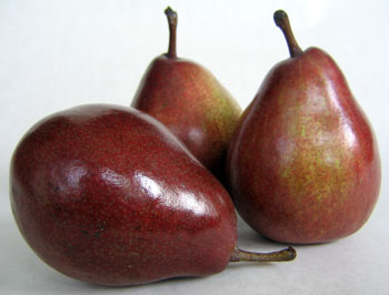 Red Bartlett Pears