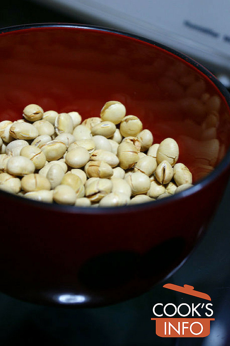 Roasted soy beans for setsuban
