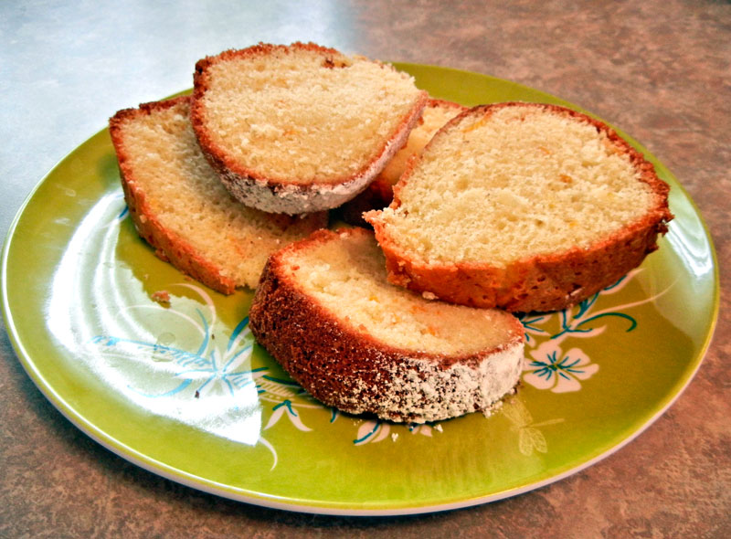 Sponge cake slices