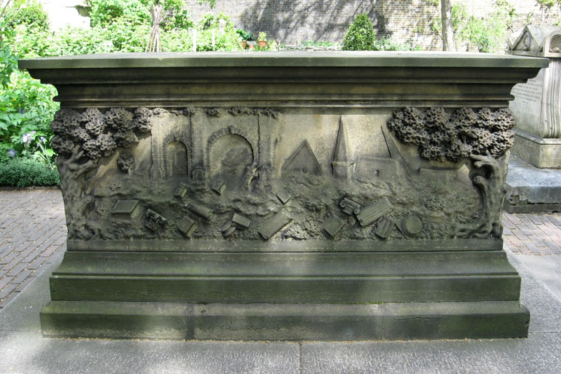 Tradescant tomb at church in south Lambeth